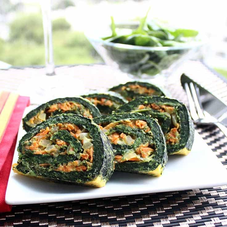 I made these spinach rolls yesterday from random stuff I had left in the fridge, and they turned out amazing! They are savory and filling, and can be spiced up pretty much however you want. They are really high in protein, so you can easily eat them as the main protein in your meal.