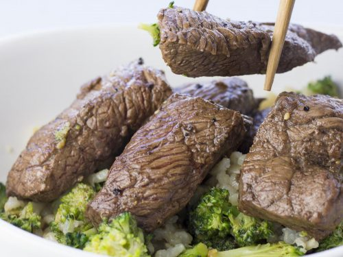 Marinated steak with broccoli