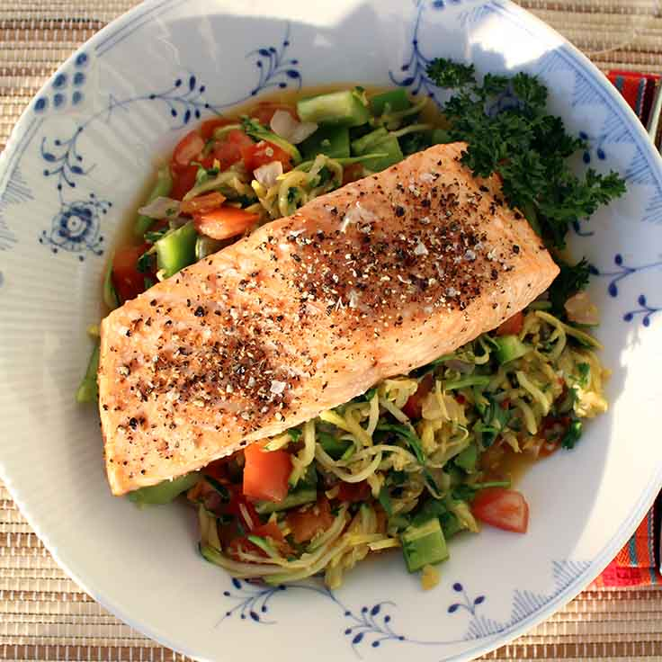 Salmon: 1. Heat the oven to 400 F (200 C) 2. Place salmon on a piece of foil, skin down 3. Season with salt and pepper and bake for 15 min 4. Carefully remove the skin and brown fat with a knife Yellow Squash n Zucchini Pasta 1. Cut the squash and Zucchini with a julienne peeler. If you don't have a julienne peeler, cut them into very thin slices 2. Chop onion, tomato and bell pepper into small squares 3. Sauté the onion and tomato with garlic and pepper flakes in a skillet or wok with a little cooking spray for about 2 min. 4. Add squash, zucchini, bell pepper and dried basil to the skillet. Let the veggies cook for a few minutes until the squash and zucchini is tender 5. Add the watercress and parsley, mix briefly, and take off the heat 6. Pour the veggies into a bowl and place the salmon and pickled ginger on top