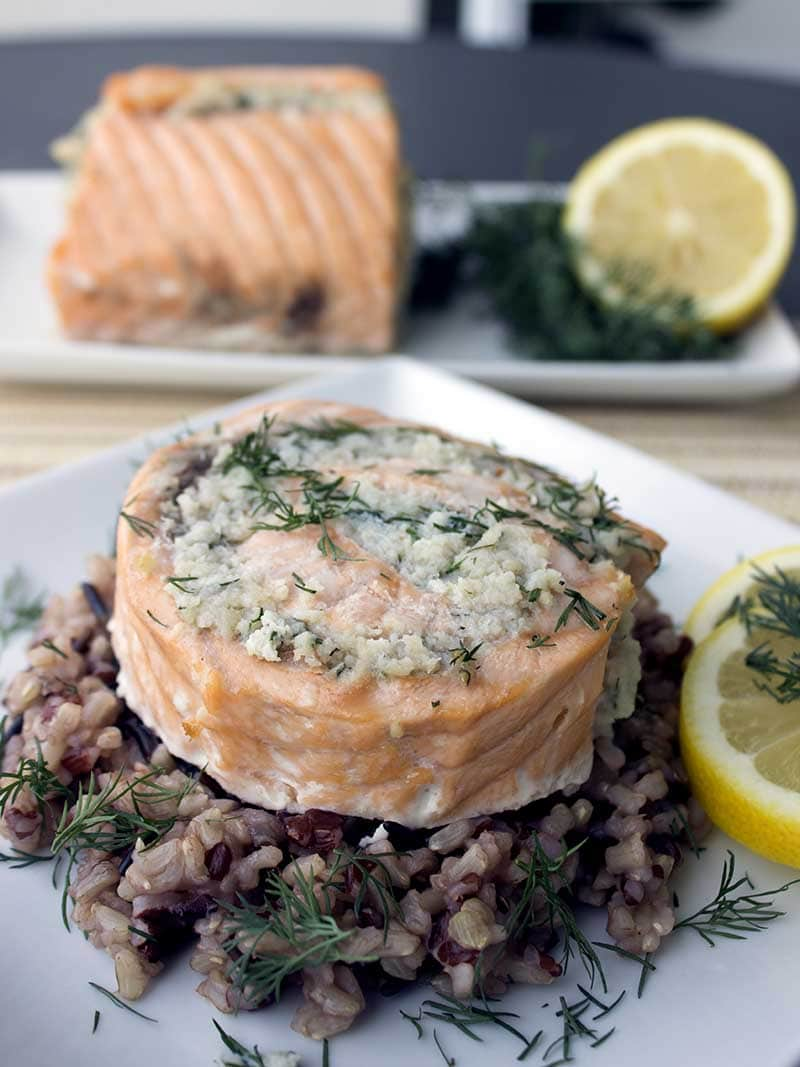 Easy Salmon and Crab Rolls – This is a healthy and easy salmon recipe that you can use to impress your friends. It looks fancy but anyone can make it │ TheFitBlog.com