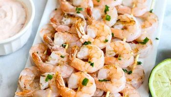 Grilled Shrimp Skewers with Creamy Chili Sauce