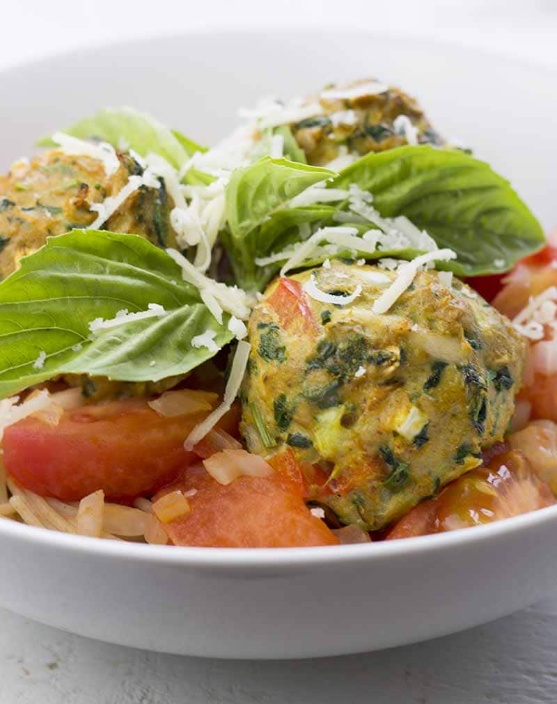 Healthy Turkey Meatballs Without Breadcrumbs served on pasta with tomato sauce