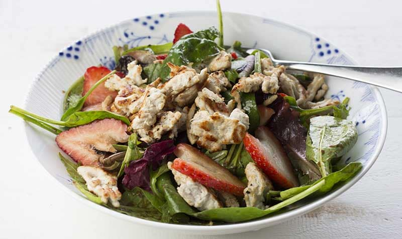 Garden salad with turkey and strawberries
