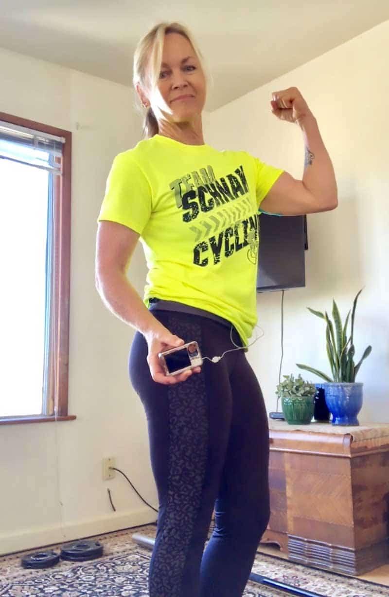 Linda flexing with her insulin pump