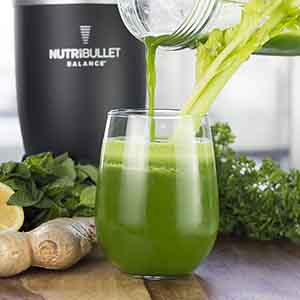 Green smoothie with ginger, cucumber and parsley