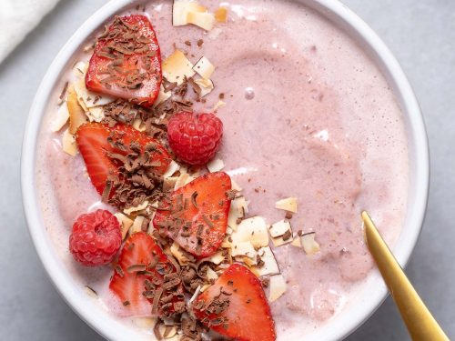 Low-carb Strawberry Smoothie Bowl