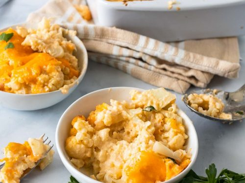 Two bowls of Keto mac and cheese with cauliflower